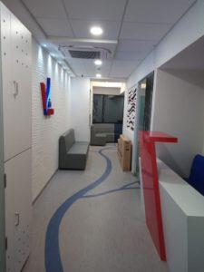 Entrance and reception at Vein Centre in Mumbai.